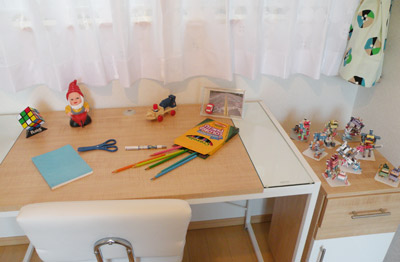 子供部屋-デスク.jpg